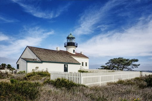 Old Point Loma Lighthouse, Lighthouse