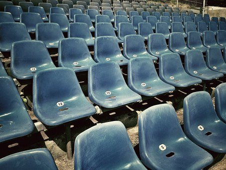 Sit, Grandstand, Theater